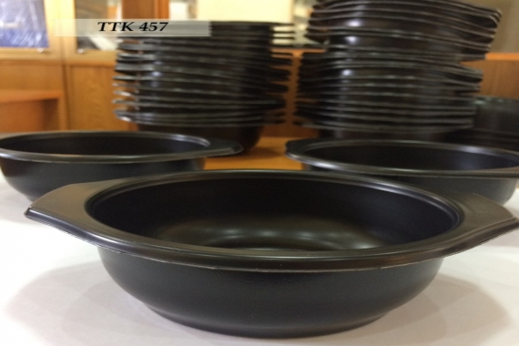 Bowl, plates and spoons